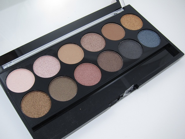 MUA-Makeup-Academy-Undressed-Eyeshadow-Palette-3 (1).jpg