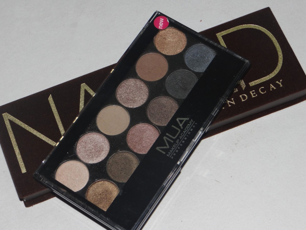 MUA-Undressed-vs-Naked-palette-1200x900.jpg