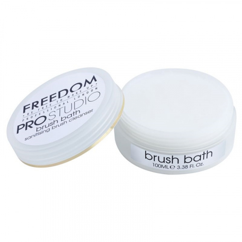 Мыло для кистей Freedom Makeup Professional Studio Brush Bath Paste фото 2